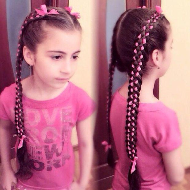 модная стрижка девочке: две косы колосок с лентами по все длине