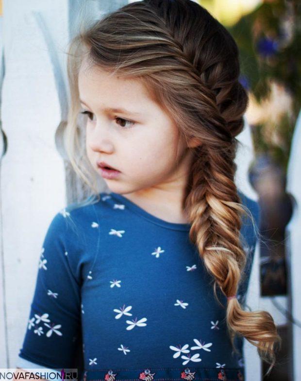 модная стрижка девочке: коса рыбий хвост