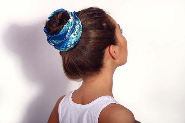модная стрижка девочке: гулька украшенная атласным шарфом