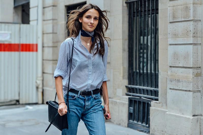 рубашки женские стильные 2018: голубого цвета