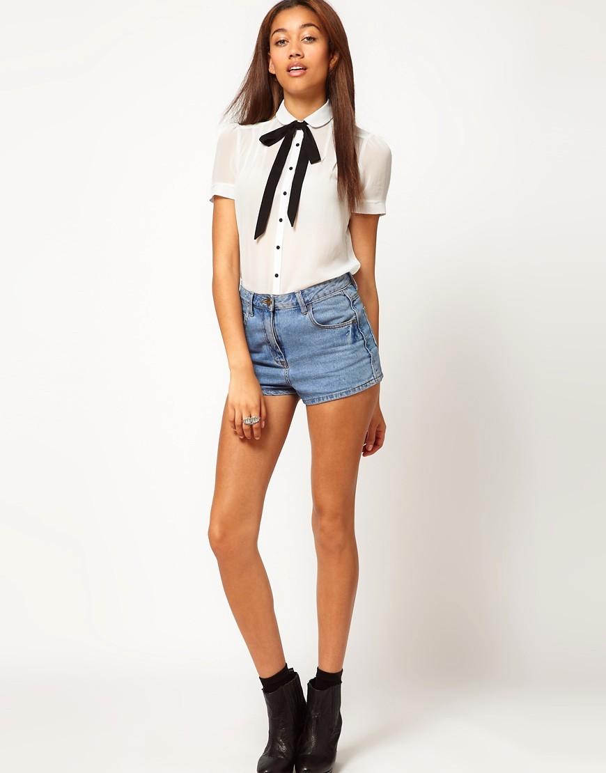 рубашки женские стильные 2018: белая с короткими рукавами с лентой