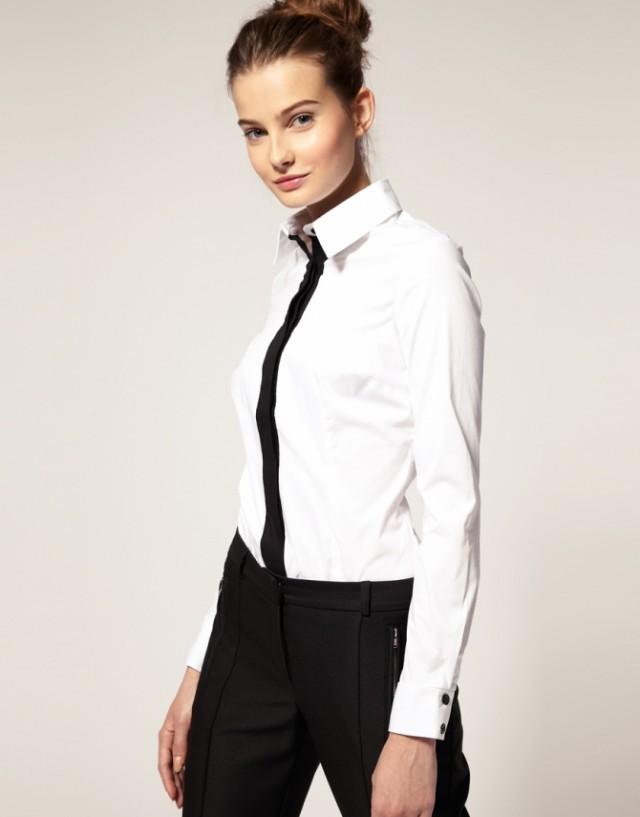 модные рубашки женские 2018: белая классическая с черной полоской