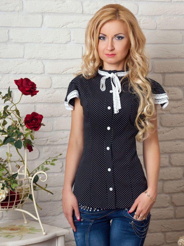 женская модная рубашка 2018-2019: черная в белую точку с тесьмой на воротнике