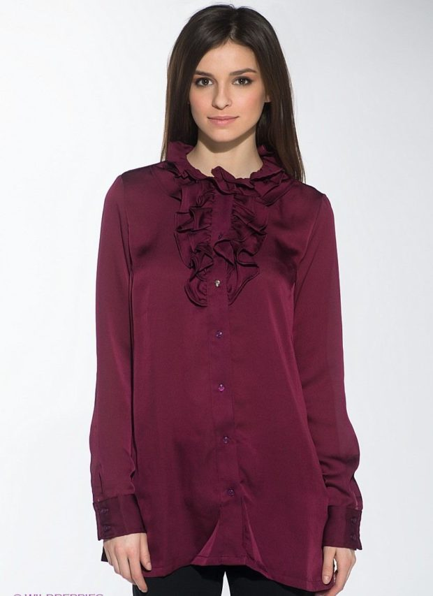 женская рубашка: бордовая с рюшами