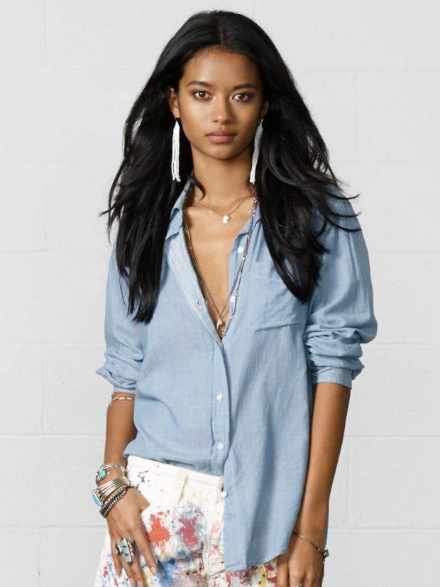 женская модная рубашка: голубая свободная