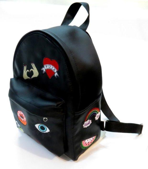 рюкзак кожаный черный с нашивками кожа