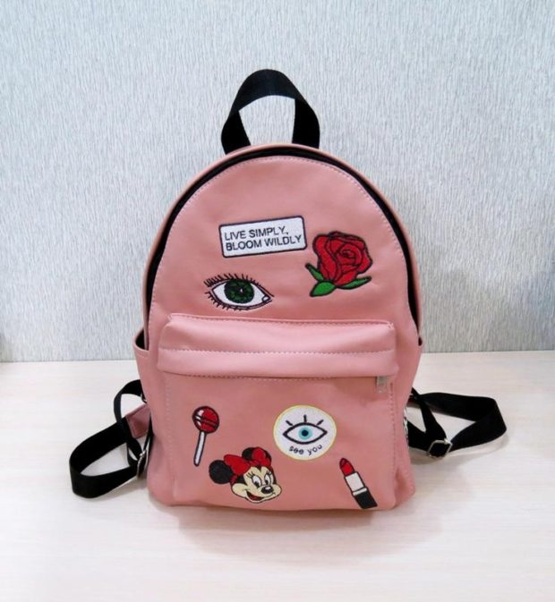 рюкзак кожаный розовый с нашивками кожа