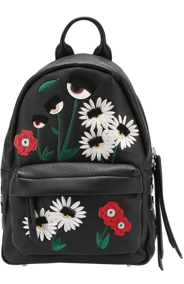 рюкзак кожаный черный с нашивками