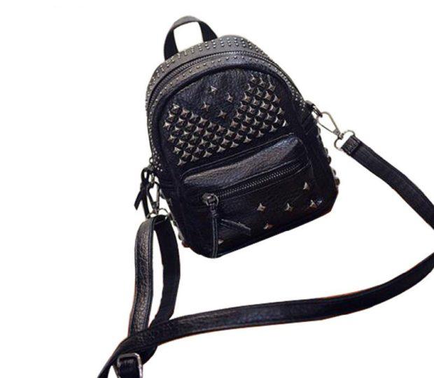 мини-рюкзак черный с ремнем длинным с заклепками