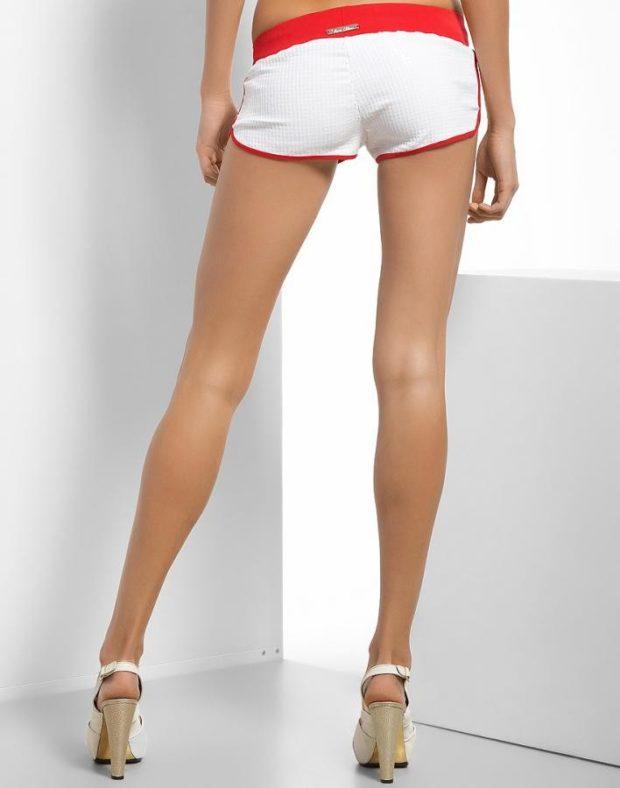 шорты короткие белые с красным