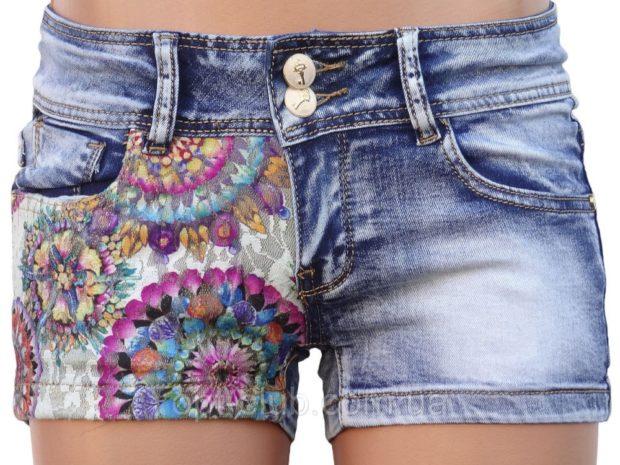 шорты джинсовые с принтом в цветы