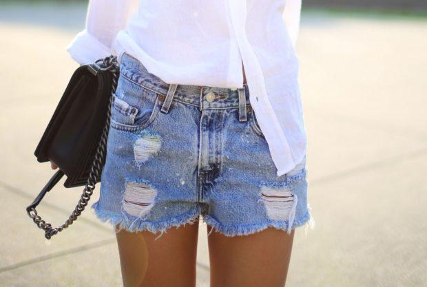 джинсовые шорты светлые потертые