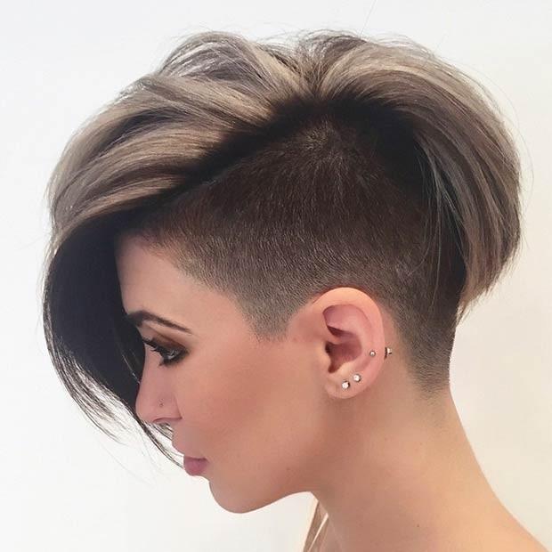 каре на короткие волосы одна сторона выбрита под 4 мм