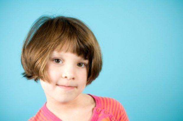 стрижки для девочек: каре укороченное с челкой