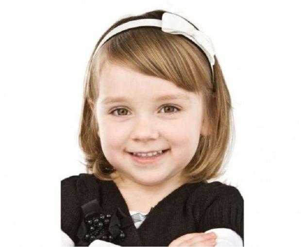 прическа для девочки: челка косая короткая