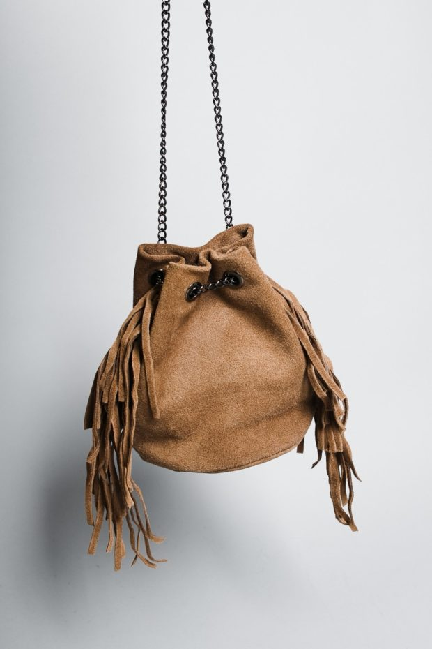 сумка-кисет коричневая с бахромой на цепочке