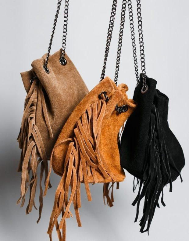 сумка-кисет коричневая оранжевая черная с бахромой на цепи