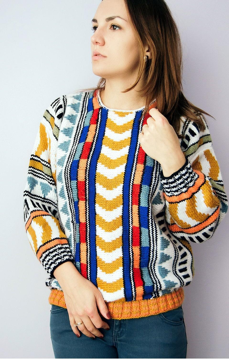 свитер короткий геометрический принт