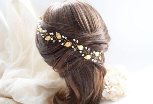 украшения для волос 2019-2020: лепестки из золота бусинки
