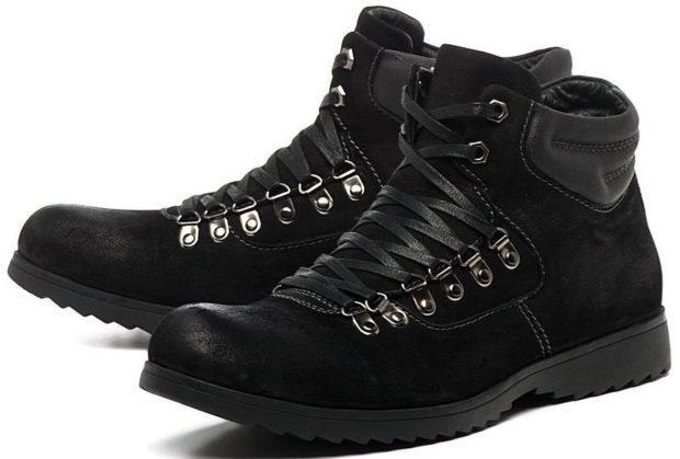 модная мужская обувь осень зима 2018-2019: нубуковые ботинки на шнурках толстая подошва