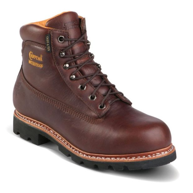 модная мужская обувь осень зима 2018-2019: коричневые ботинки на шнурках на черной подошве