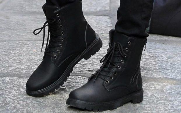модная мужская обувь осень зима 2018-2019: ботинки на шнуровке черные