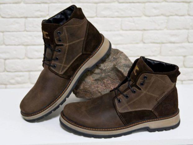 модная мужская обувь осень зима 2019-2020: ботинки на шнуровке коричневые кожа и нубук