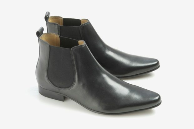 зимняя обувь мужская 2018-2019: ботинки-челси с острым носком черные резинка в тон