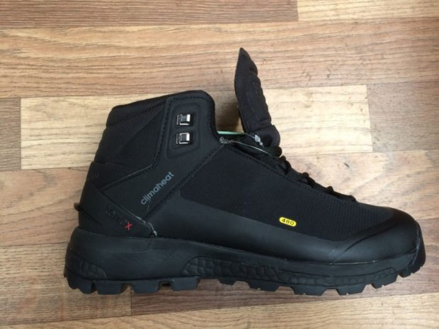 модная мужская обувь осень зима 2018-2019: кроссовки черные на толстой подошве