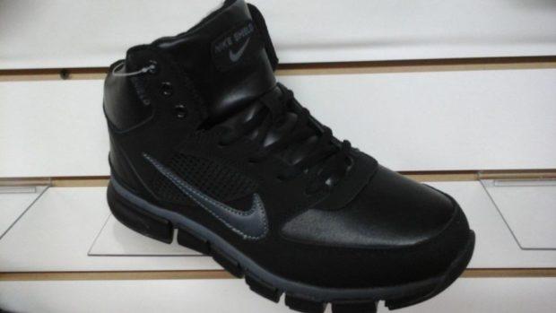 модная мужская обувь осень зима 2018-2019: кроссовки черные высокие