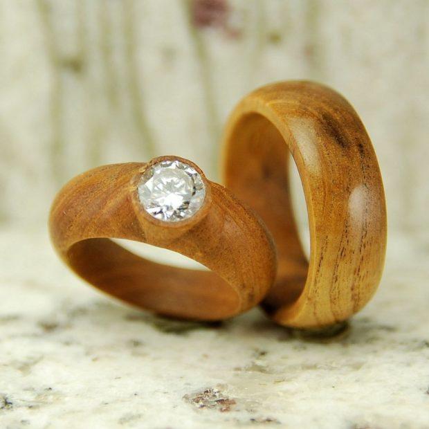 Обручальные кольца 2020-2021: на свадьбу деревянные женское с камнем