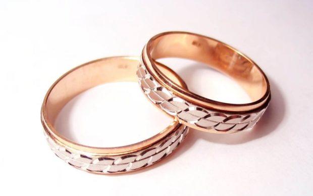 """кольцо из золота желтого со вставками """"коса""""белым золотом"""