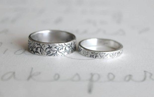 свадебные кольца из белого золота с узорами