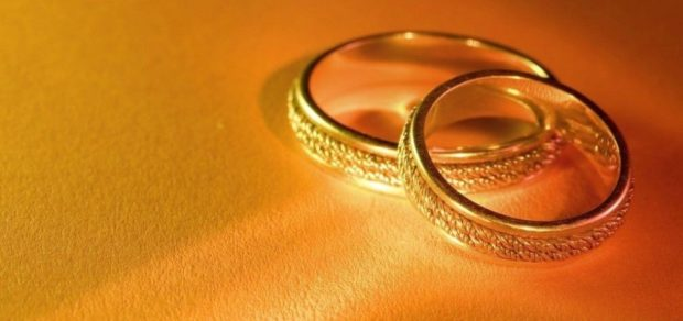 кольца золотые с косичками по контуру
