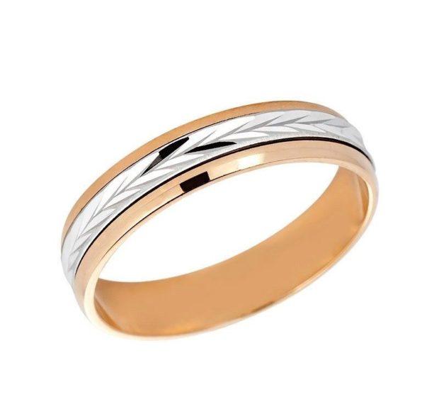 кольцо классическое из белого золота внутри полоска из белого золота