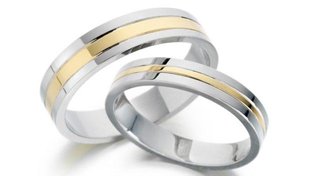 кольцо белое и желтое золото