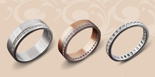 кольца из белого и желтого золота с огранкой из камней