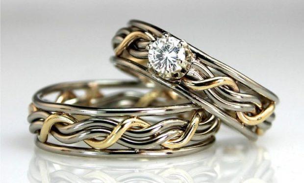 плетеные кольца из белого и желтого золота