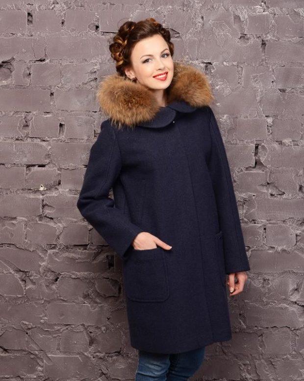 модные женские пальто осень 2021-2022: черное с меховым воротником