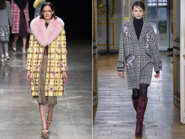 модные женские пальто осень 2021-2022: цветное клетчатое с розовым меховым воротником серое