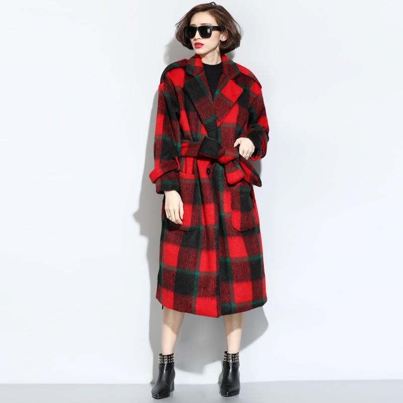 клетчатое красное пальто с черным