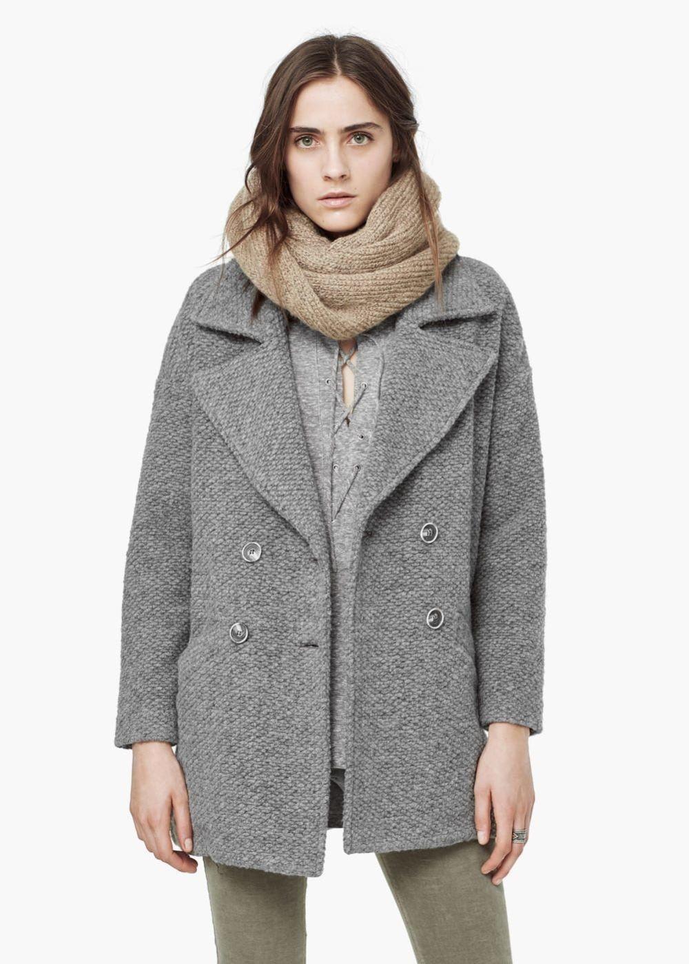 монотонное серое пальто с палантином