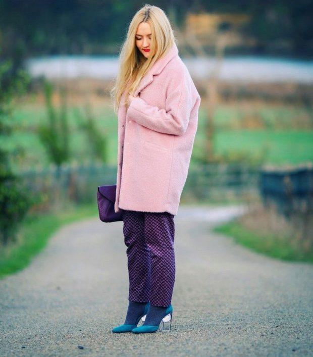 rozovoe-svobodnoe-palto