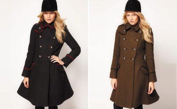 пальто осень-зима 2021-2022: милитари черное с красными полосками коричневое