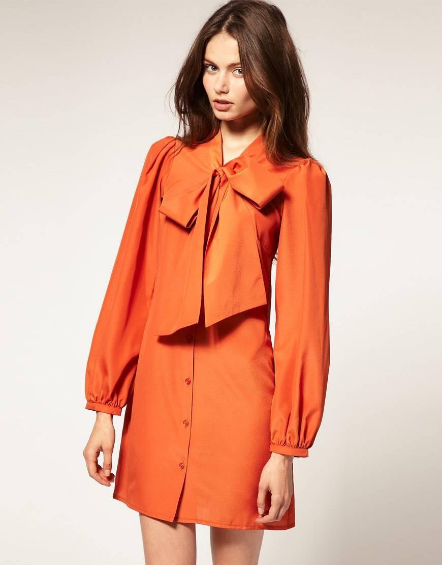 платье-рубашка оранжевое с бантом