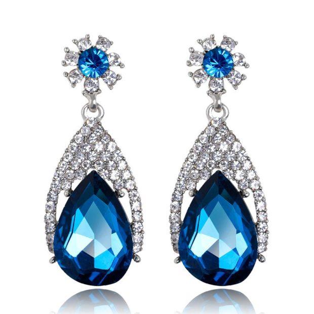 серьги-капли большой синий камень россыпь мелких белых камушек