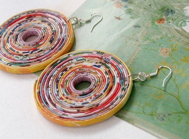серьги из пластика круглые яркие