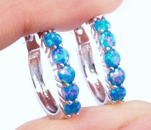 серьги в виде колец серебро с голубыми камнями