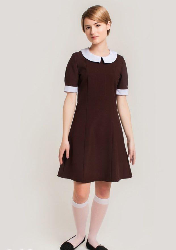 платье коричневое а-силуэт с белым воротником