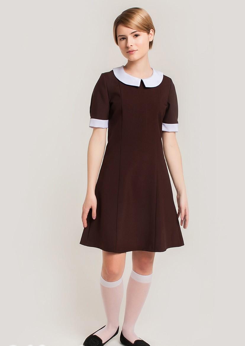 платье коричневое а-силует с белым вортником